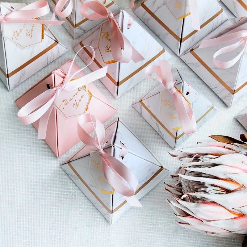 New Triangular Pyramid Marble Candy Box Wedding Favors and Gifts Boxes Chocolate Box Bomboniera Giveaways Boxes Party Supplies