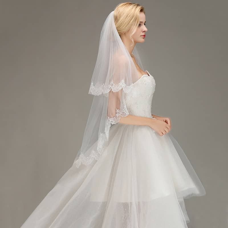 Veu de Noiva Lace Edge Short Wedding Veil with Comb White Ivory Two Layers Tulle Bridal Veil Wedding Accessories Voile Mariage
